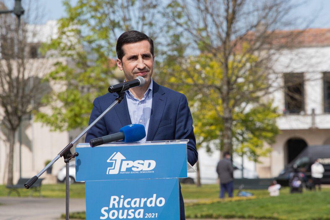 """Ricardo Sousa refere a """"necessidade de melhorar a qualidade de vida"""" dos paredenses"""
