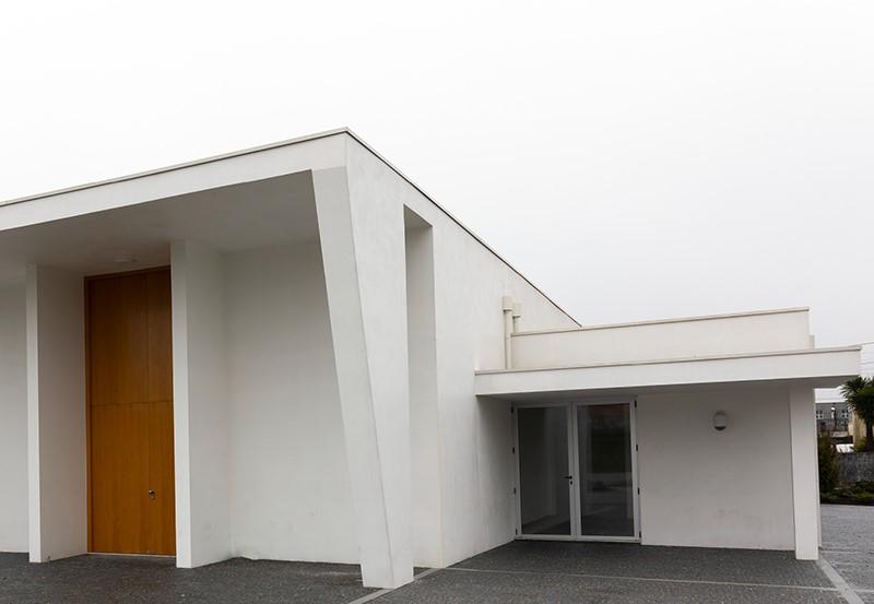 Casa-Mortuaria-de-Pacos-de-Ferreira-com-condicoes-insuficientes-para-receber-defuntos
