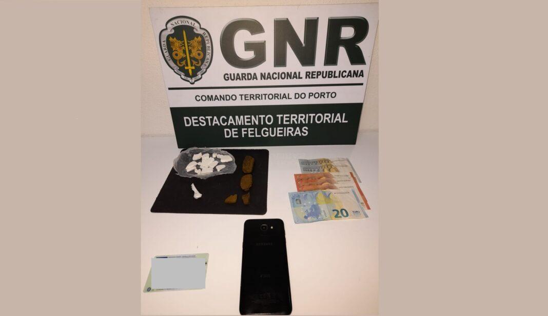 Detido-em-Pacos-de-Ferreira-com-150-doses-de-cocaina