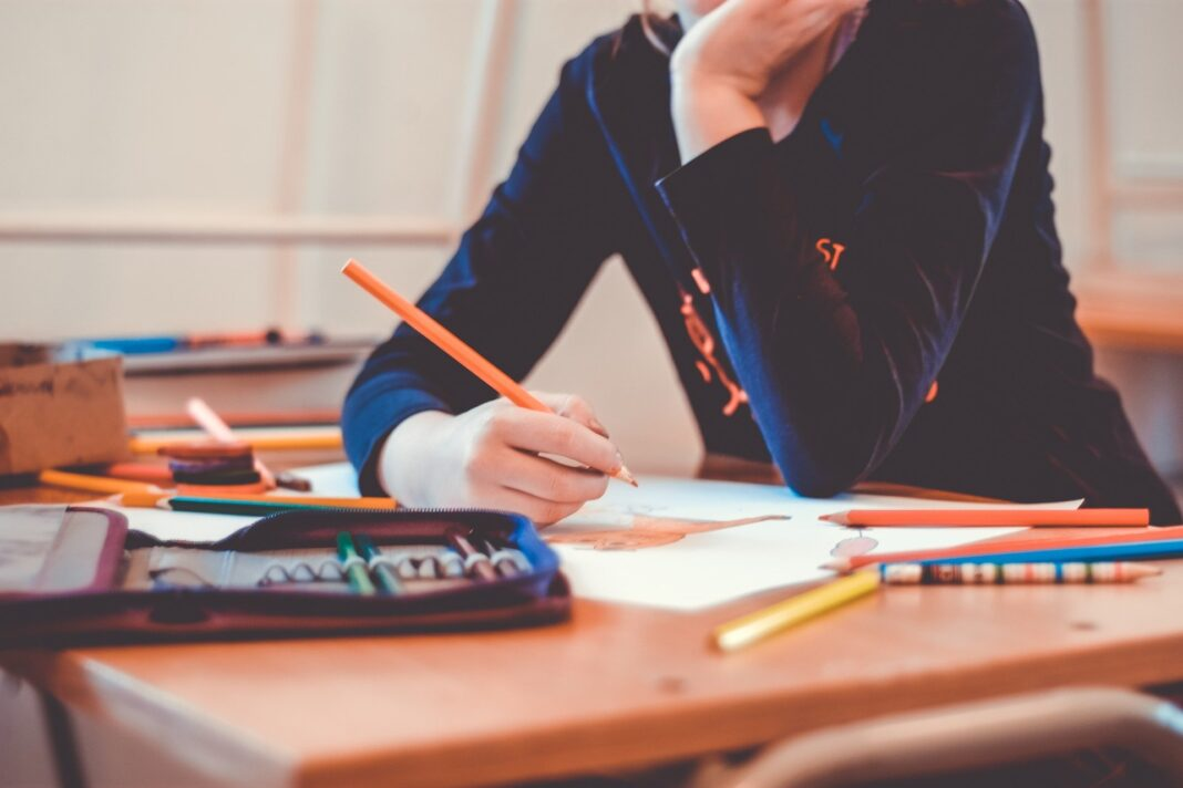 GNR-sensibiliza-os-alunos-no-regresso-as-aulas-para-a-toma-de-cuidados-dentro-e-fora-da-escola